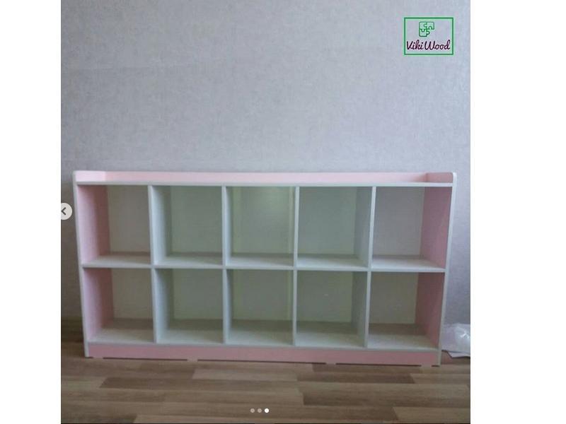 Бело-розовый гарнитур