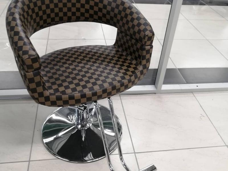 Кресло парикмахера Клаб