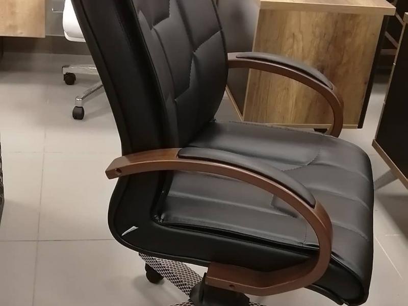 Кресло руководителя Вега кожа Турция