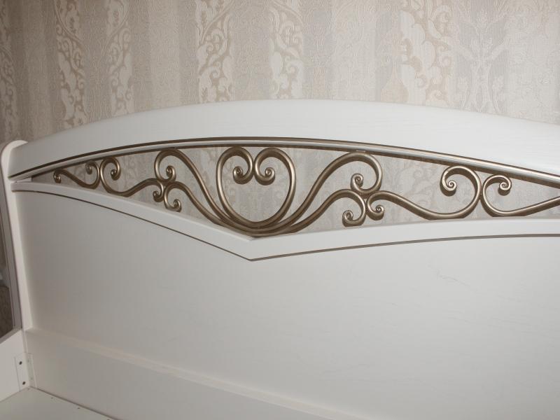Кровати в классическом стиле двуспалки