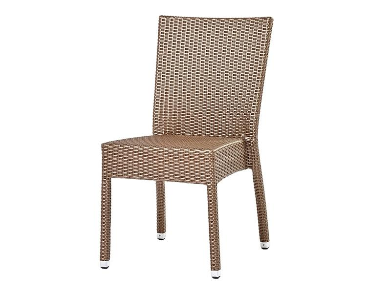 Плетеный стул